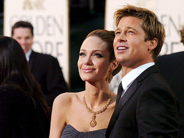 Анджелина Джоли и Брэд Питт всячески пытаются избежать присутствия папарацци на своей свадьбе