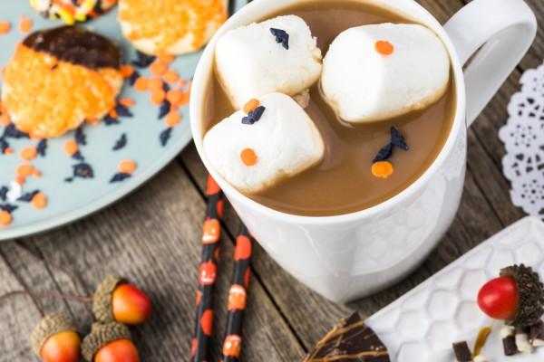 Горячий шоколад на Хэллоуин