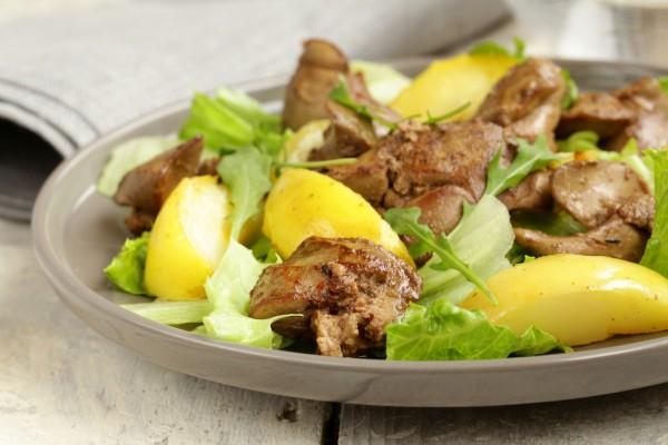 Салат из печени с яблоками
