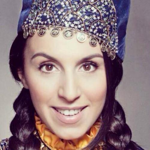 Джамала выступила на Майдане в татарском костюме
