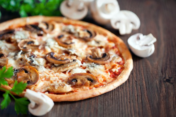 Пицца с грибной начинкой