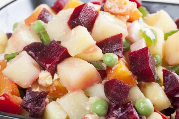 Рецепт                  Осенний салат из курицы и свеклы