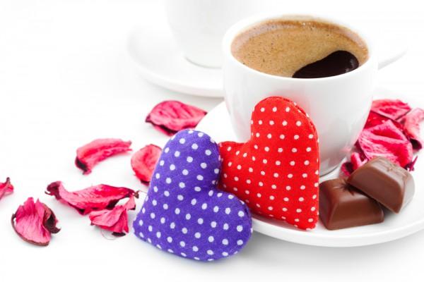 Даже обычному кофе можно придать праздничный колорит
