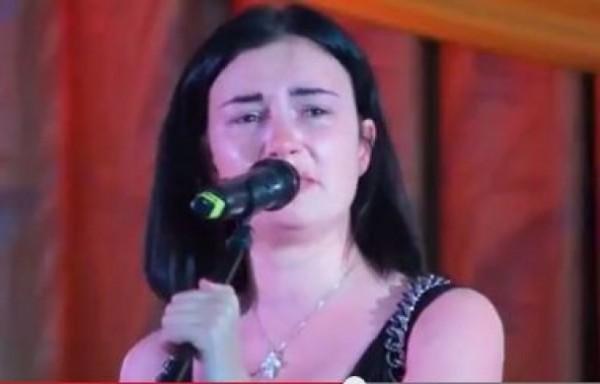 Анастасия Приходько расплакалась, выступая перед военными