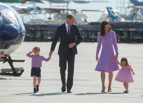 Кейт Миддлтон и принц Уильям с детьми - Джорджем и Шарлоттой