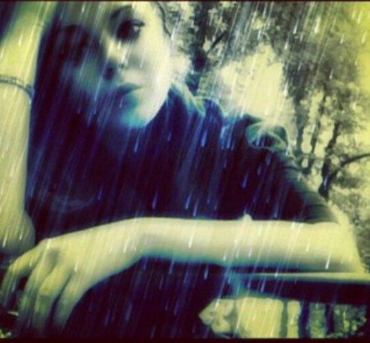 Алина Гросу тоскует по ближайшим, однако не прекращает издавать в интернете свежие фото