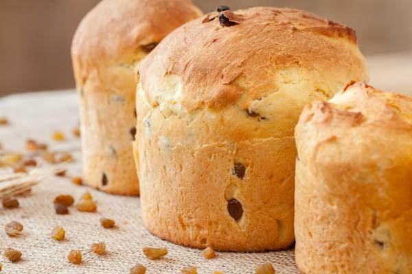 Панеттоне готовят в Италии на Пасху и Рождество