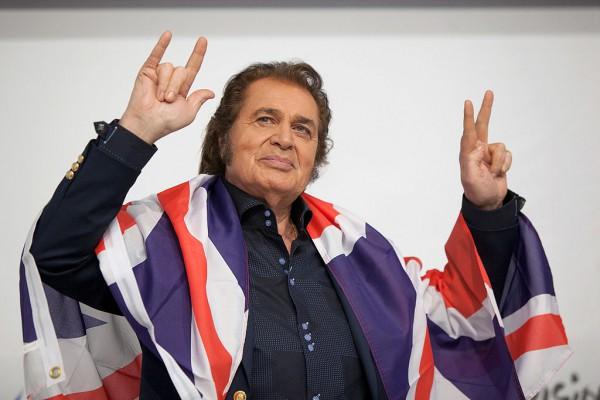 Энгельберт Хампердинк, представлял Великобританию на конкурсе Евровидение 2012 в Баку