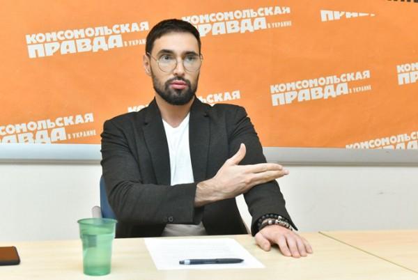 Виталий Козловский объяснил, зачем поехал давать концерт в Москву на 9 мая