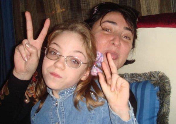 Певица Лолита сделала дочь барыгой