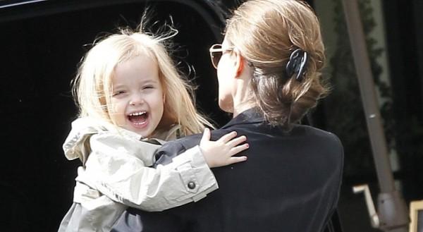 Дочка Джоли Вивьен