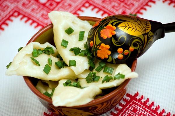 Начинки для вареников могут быть сладкими или солеными