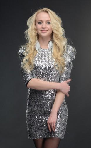 Александр Пономарев встречается в 19-летней Анной Ходоровской