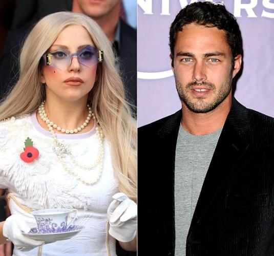 Lady GaGa и Тейлор Кинни поженились