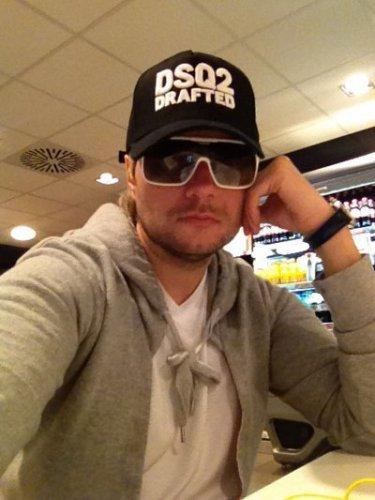 Николай Басков пользуется популярностью у женщин, готовых платить за секс