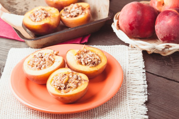 Рецепт                  Персики с корицей и миндалем