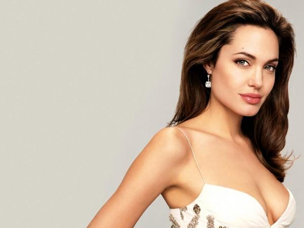 Анджелина Джоли любит быть ближе к природе