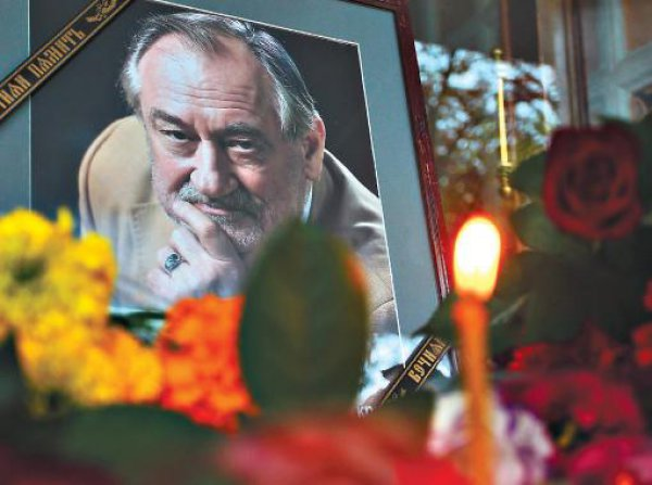 На Байковом кладбище похоронили Богдана Ступку