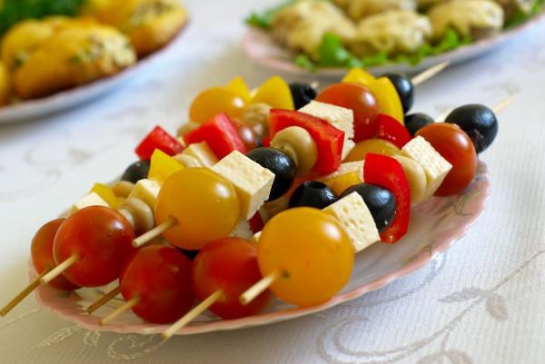 Блюда для пикника с фото: овощи на шпажках