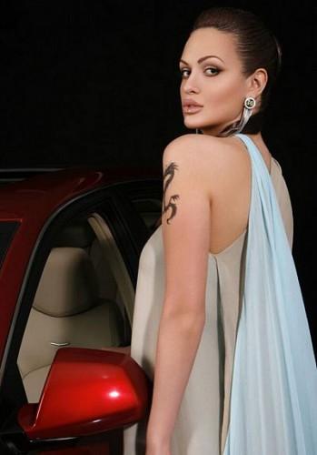 Виктория Лопарева примерила образ Анжелины Джоли