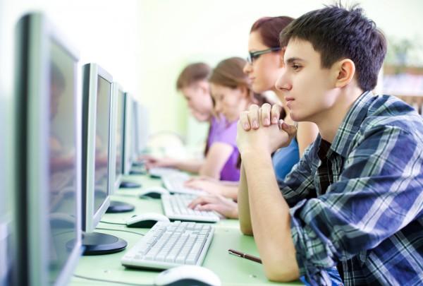 Более 315 тысяч абитуриентов зарегистрировались для участия в тестировании