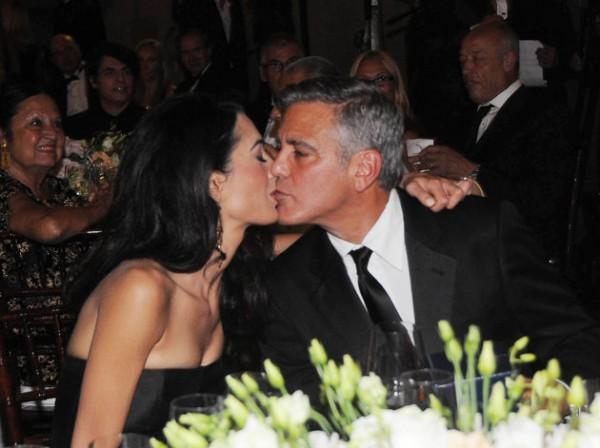 Джордж Клуни сделал предложение руки и сердца Амаль Алламудин в своем доме в Лос-Анджелесе, США