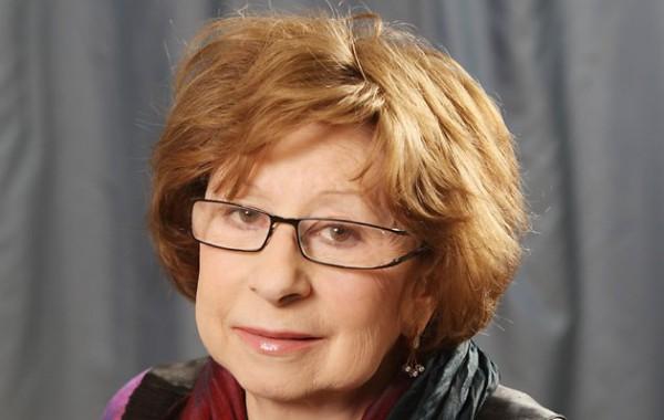 Лия Ахеджакова расплакалась, говоря о войне в Донбассе