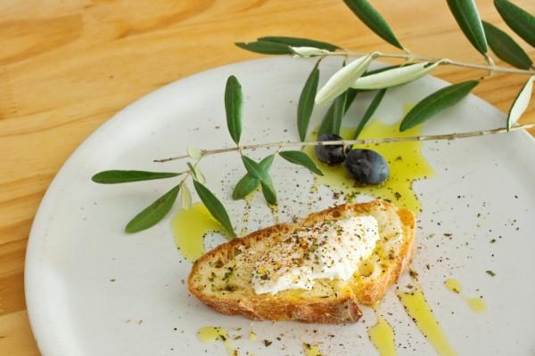 Хлеб с оливками
