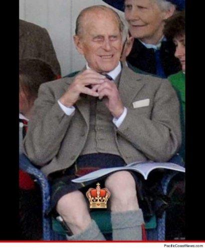 Сначала фото голого принца Гарри, теперь – фото прелестей принца Филиппа