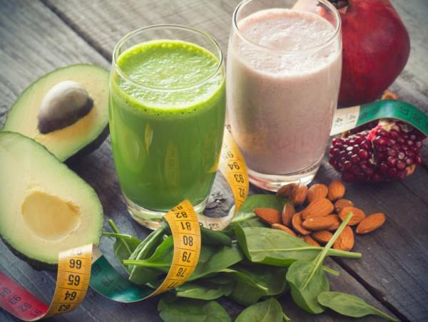 Добавь в напиток авокадо или арахисовое масло