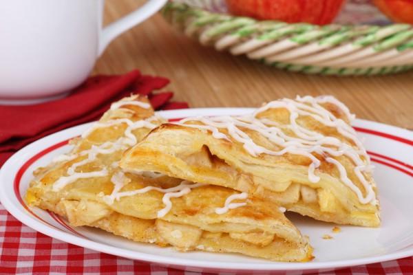 Пирожки с яблочной начинкой