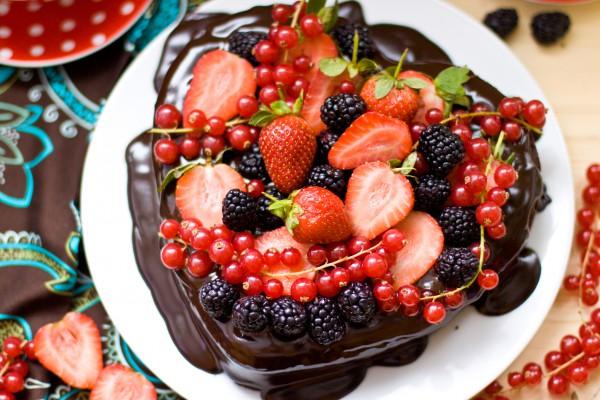 Пирог в виде сердца на День Валентина