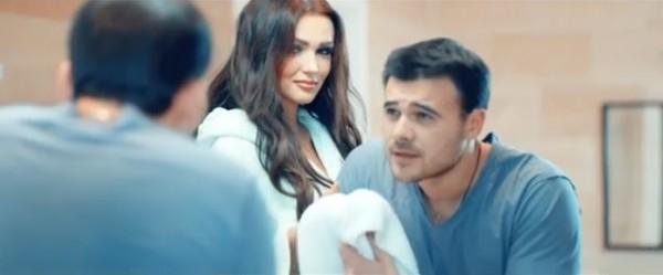 Украинка Ольга Стороженко в клипе певца Emin