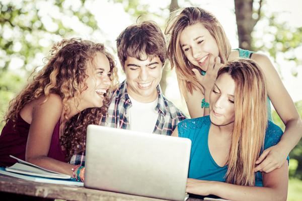 Напиши с друзьями сценарий ко дню студента