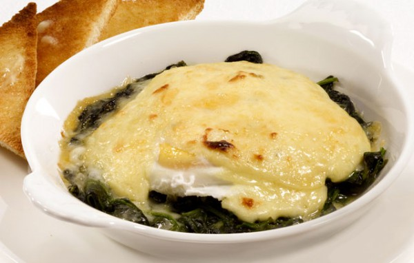 Яйца по-флорентийски со шпинатом