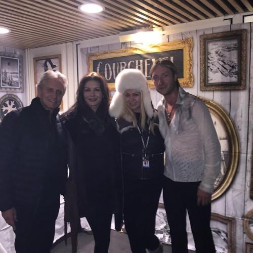 Яна Рудковская с Евгением Плющенко и Майкл Дуглас с Кетрин-Зета Джонс