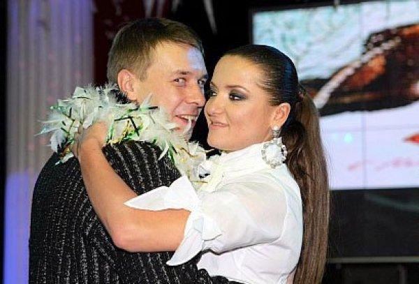 Александр Ягольник опроверг информацию о том, что Наталье Могилевской приходилось выступать в сельских клубах в начале ее карьеры