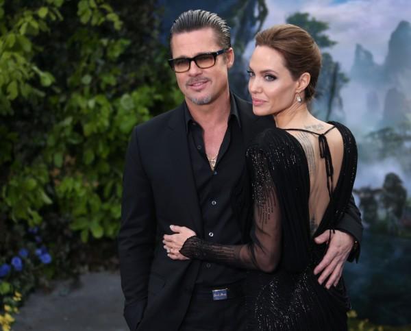 Анджелина Джоли молится за мир в Украине