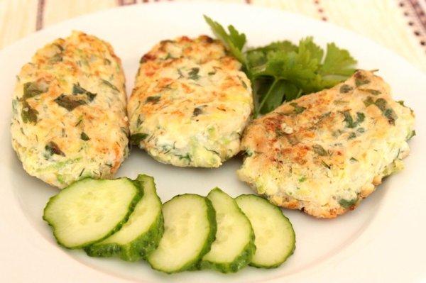 Рецепт                  Куриные котлеты с кабачками и рисом