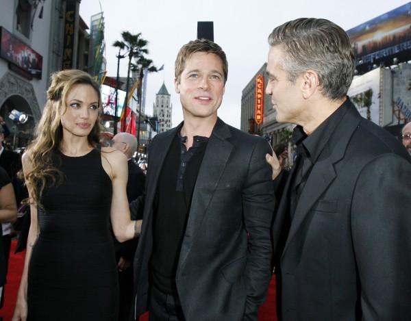 Клуни давно дружит со звездной парой Джоли-Питт