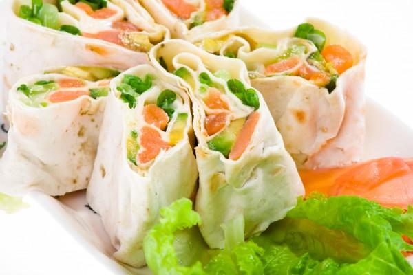 Рецепт                  Рулет из лаваша с лососем