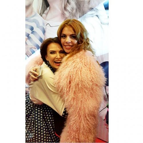 Анастасия Стоцкая с российской актрисой Эвелиной Бледенс