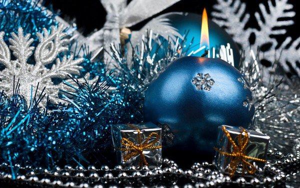 2012 - год Водного Дракона, поэтому различные оттенки голубого и синего, разбавленные серебром, будут как никогда кстати
