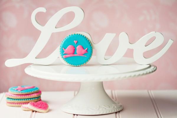 Украшение стола на День Валентина