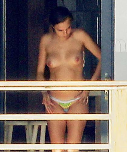 Кара делевинь фото голая