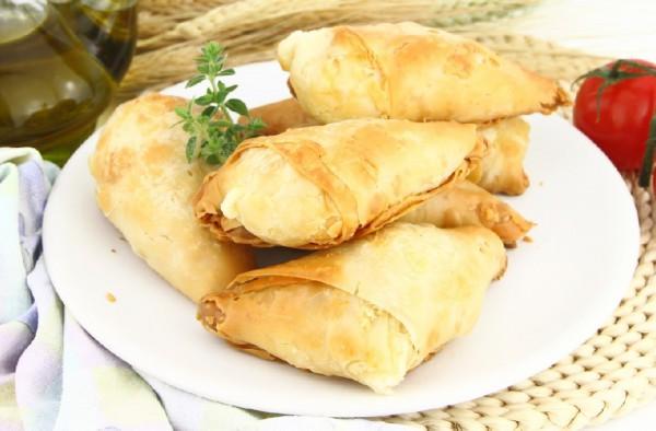 Рецепт                  Пирожки из теста фило с сыром и шпинатом