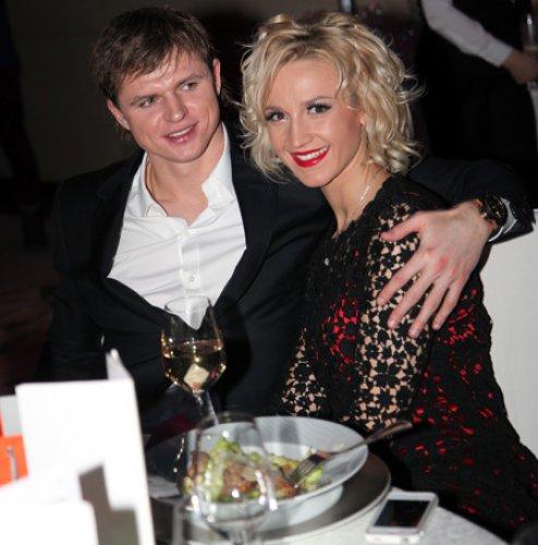 Ольга Бузова и ее будущий супруг Дмитрий Тарасов
