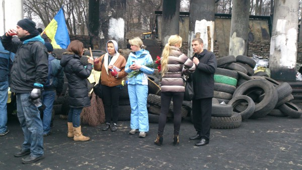 Камалия и кума Тимошенко на улице Грушевского