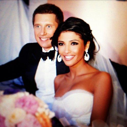 Санта Димопулос не смогла удержаться и показала несколько фотографий со свадьбы