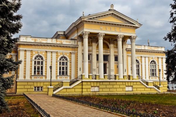 Музей западного и восточного искусства и Археологический музей
